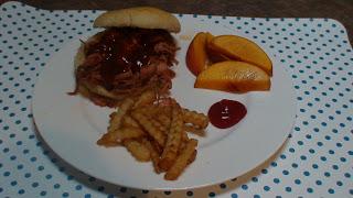 Pulled Pork Sandwiches | 5DollarDinners.com