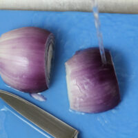 chopping-onions-under-water
