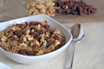cinnamon walnut quinoa with raisins