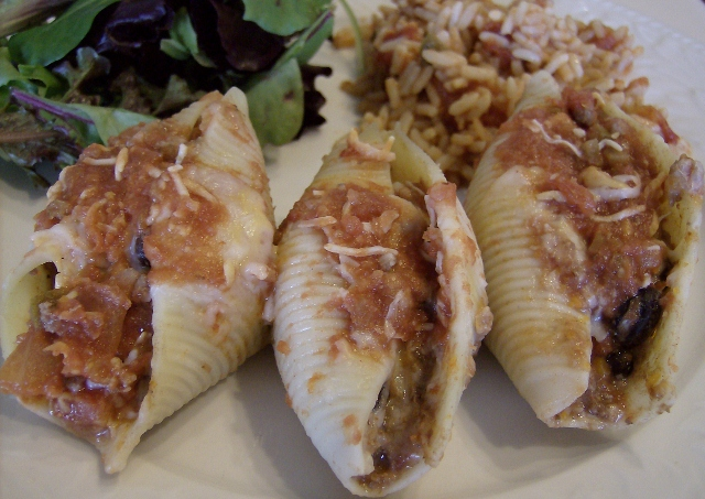 Enchilada Stuffed pasta Shells with Mexican Rice (640x453)