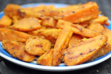 grilled sweet potato fries 8 Grilled Sweet Potato Fries with Cinnamon and Maple   Memorial Day Recipe