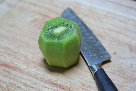 how to cut a kiwi 8 How to Cut a Kiwi   Kitchen Tip
