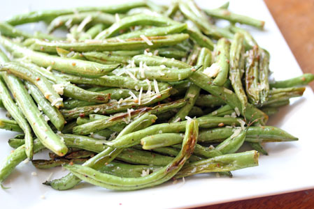 oven roasted green beans 2 Oven Roasted Garlic Green Beans – Grow. Eat. $ave.