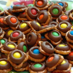 MM M&M Pretzel Snack Kids in the Kitchen