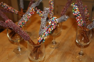 pretzels2 300x200 Denises Dipped Pretzel Sticks and Gift Tags