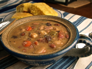 honey ham and beans {CLOSED} Giveaway   Hurst Beans Handmade Clay Soup Pots & Beans