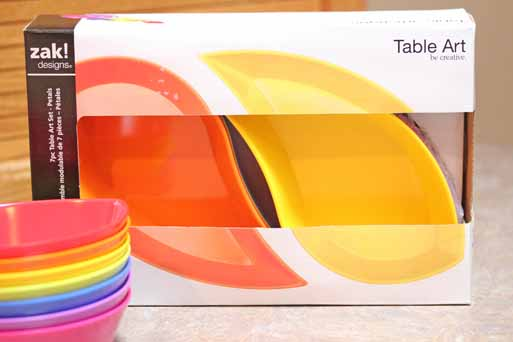taco bar zak flower1 {CLOSED} Zaks Rainbow Petals Table Art   Giveaway