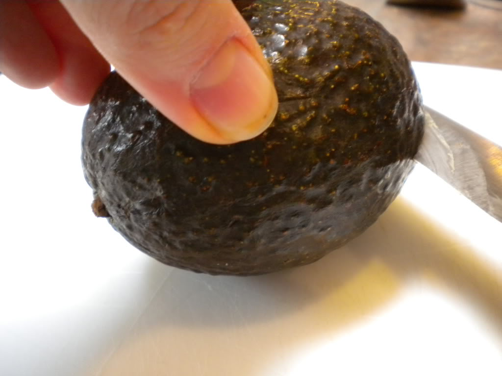 how to choose and cut an avocado $5 dinners