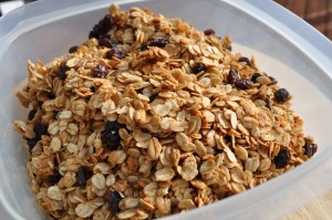 granola 300x199 Kid Friendly Granola  Lunchbox Inspiration