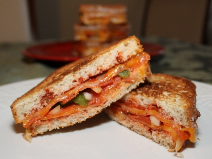 pizza sandwich (425x320)