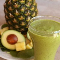 Spinach Pineapple Avocado Smoothie | 5DollarDinners.com