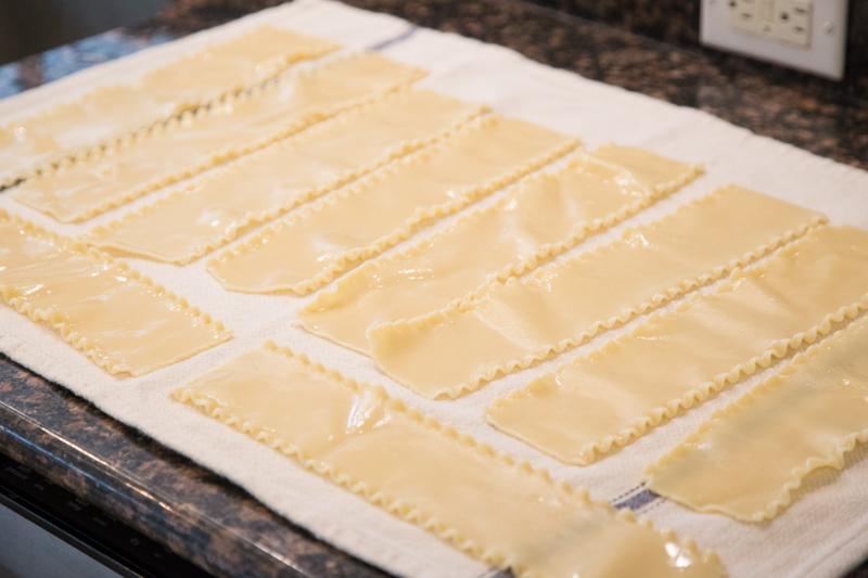 Chicken Alfredo Lasagna Rollups-2