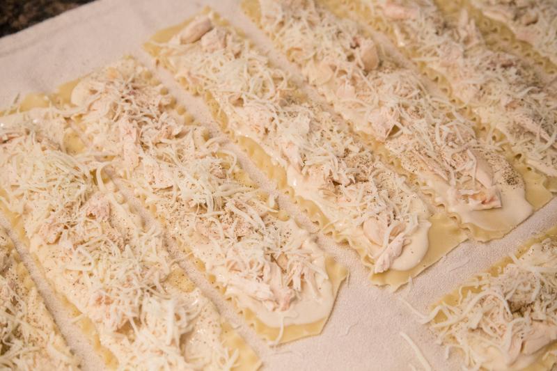 Chicken Alfredo Lasagna Rollups-5