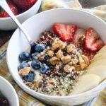 Quinoa & Berries Smoothie Bowl