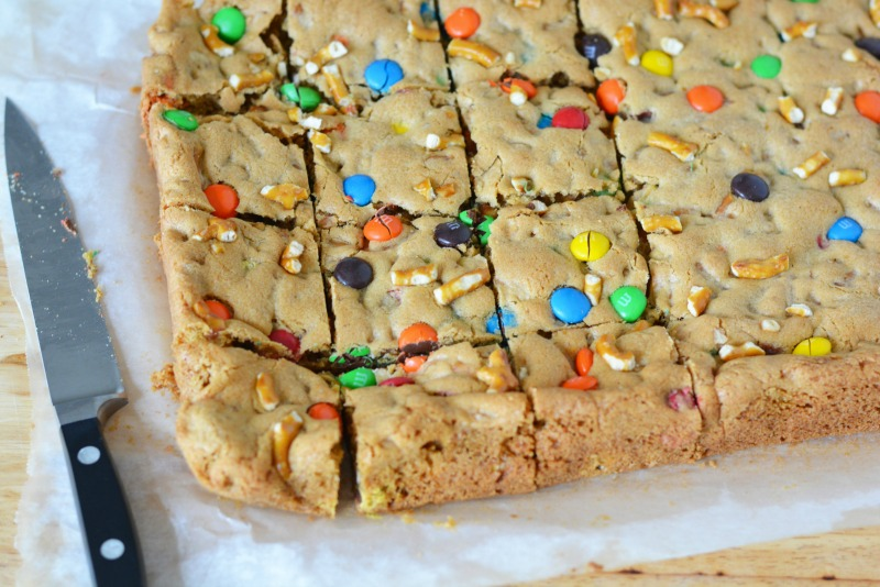 pretzel-mm-cookie-bars-2