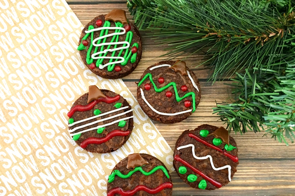 Brownie Ornaments ~ a fun holiday treat to do with your kids from 5DollarDinners.com