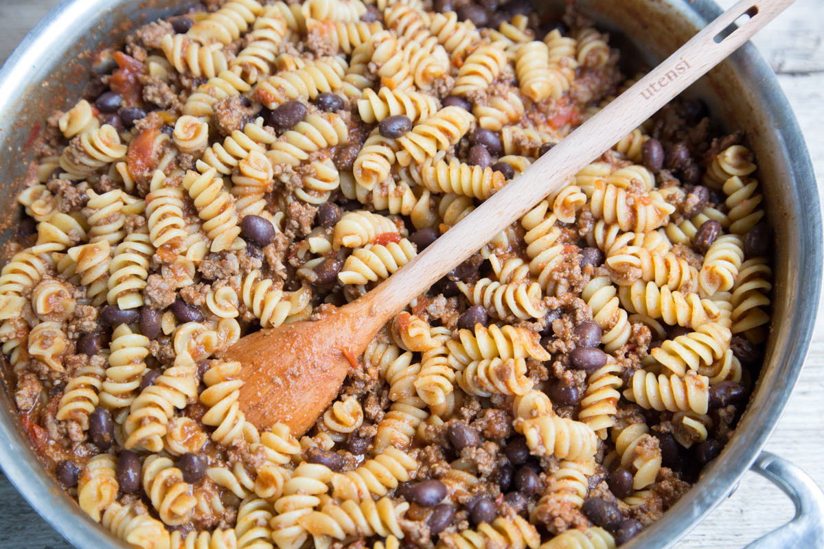 skillet-swirly-taco-pasta-freezeasy