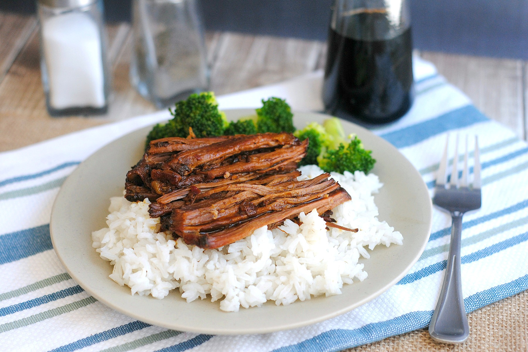 slow cooker asian shredded beef