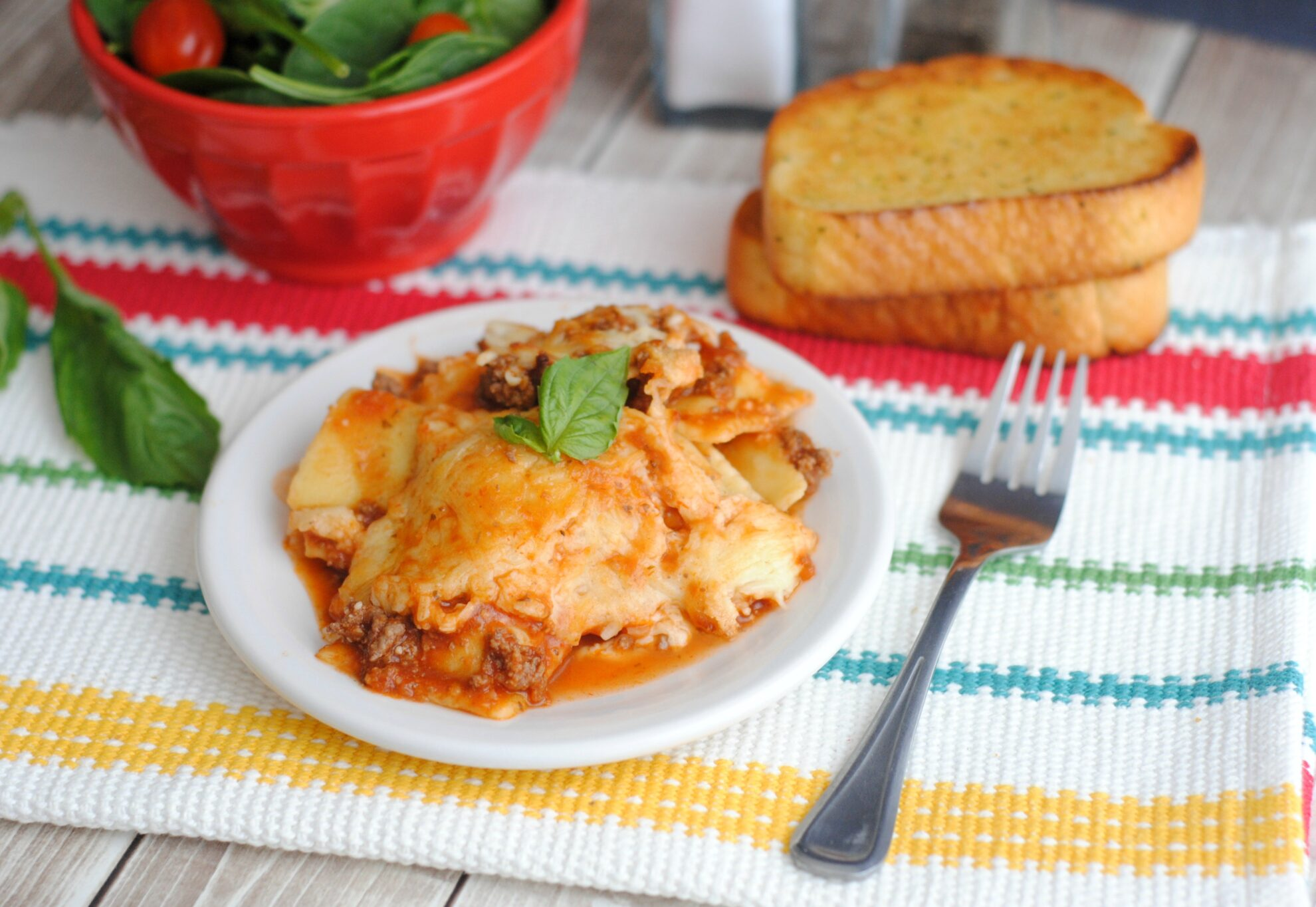 Slow Cooker Ravioli the Italian dish to the rescue!!! This pasta dish is kid friendly and easy to prepare and you can find it on 5 Dollar Dinners!