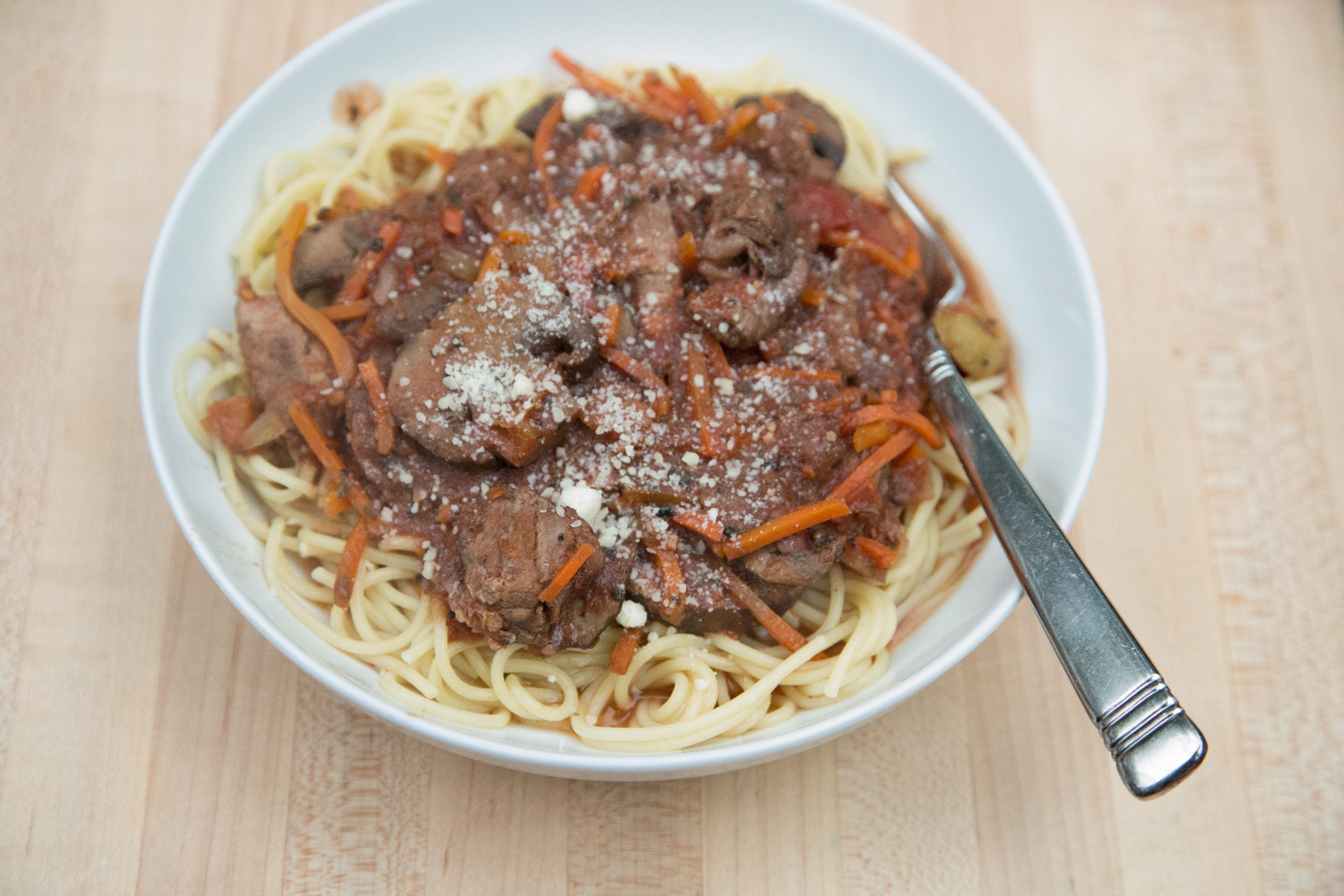 This is one of those great fix it and forget it Slow Cooker Recipes for a busy weeknight meal, Beef and Mushroom Ragu, find it on 5dollardinners.com.