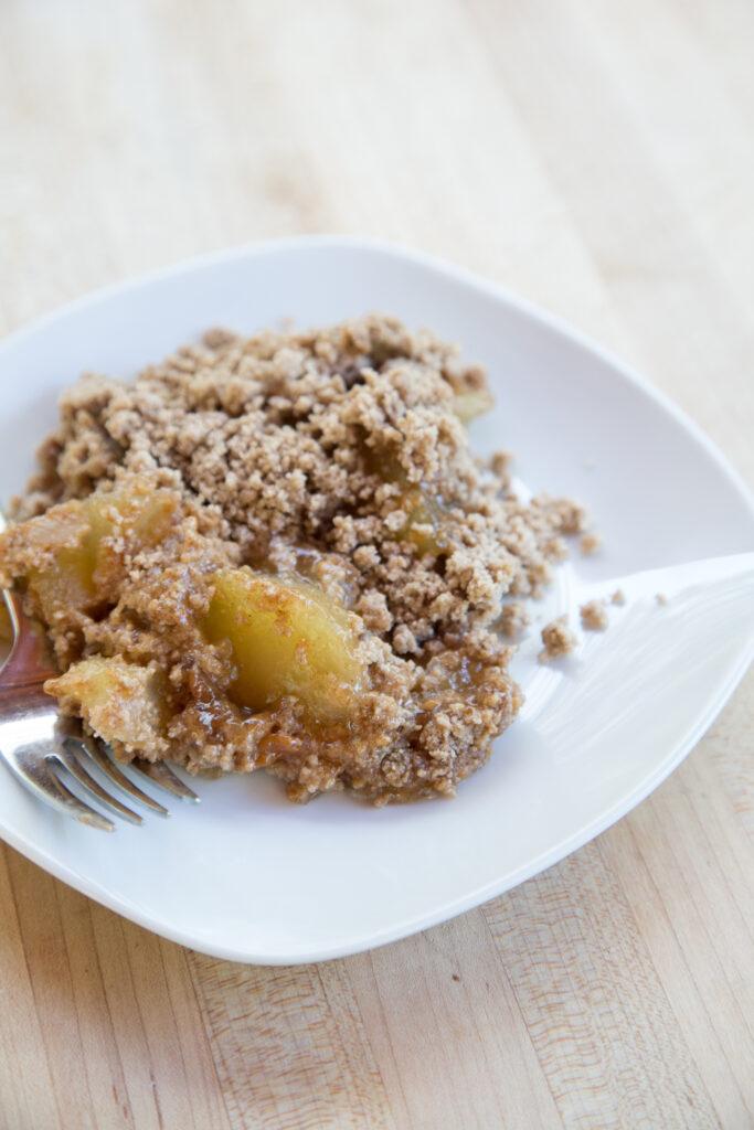 caramel apple spice dump cake